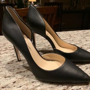 Jessica Simpson pointed toe black pumps size 8